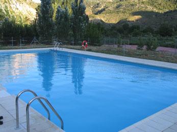 20070818001246-piscina-alcaine260.jpg