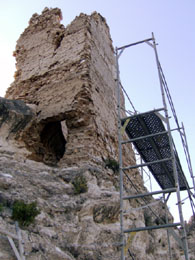 20071202104037-restauracion-torreon-medieval-alcaine.jpg