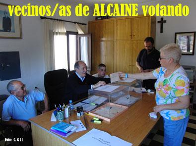 20110522165304-votando-alcaine-2011.jpg